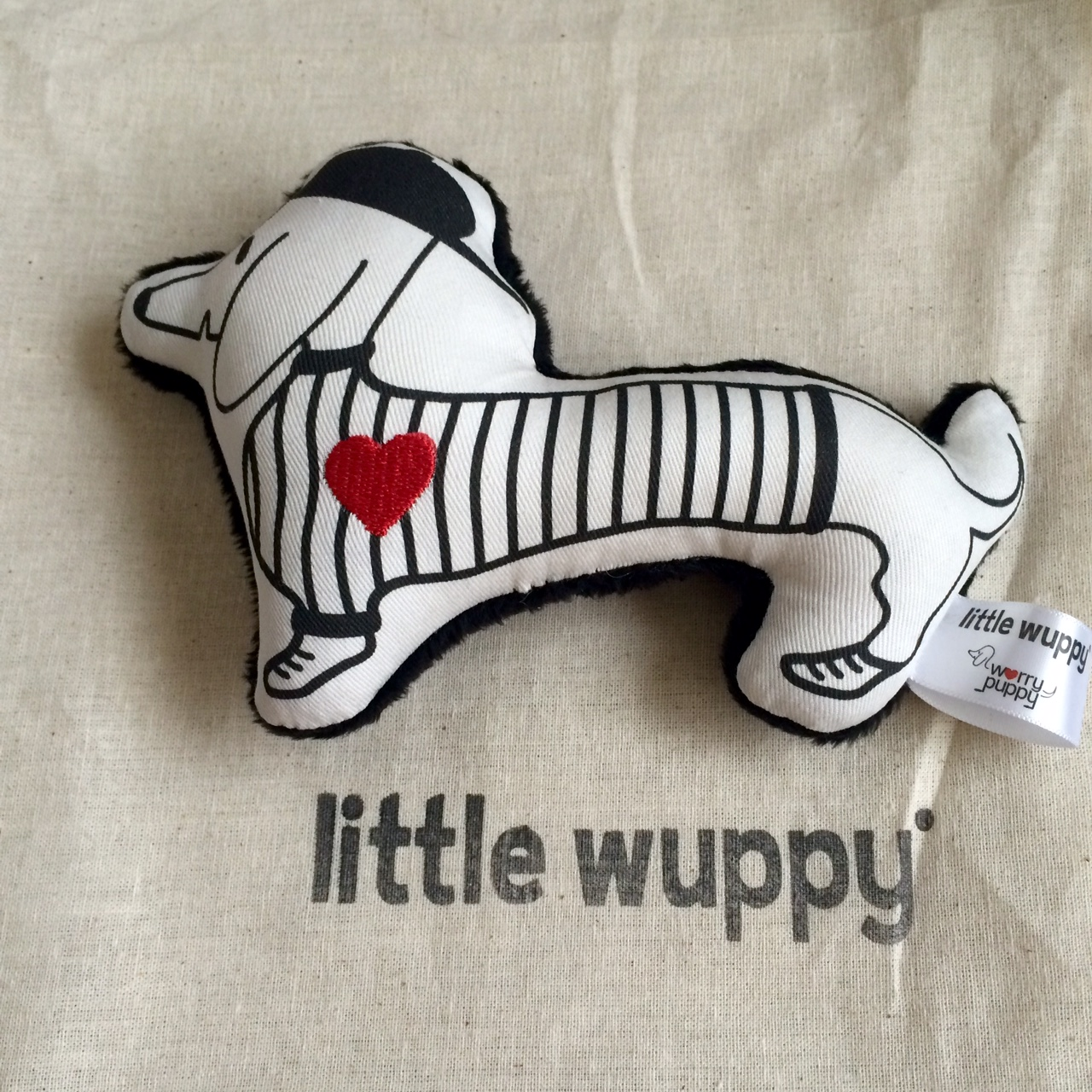 little-wuppy-giveaway-nicky-johnston